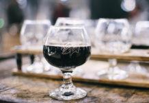 Warum du Rotwein schwenken solltest