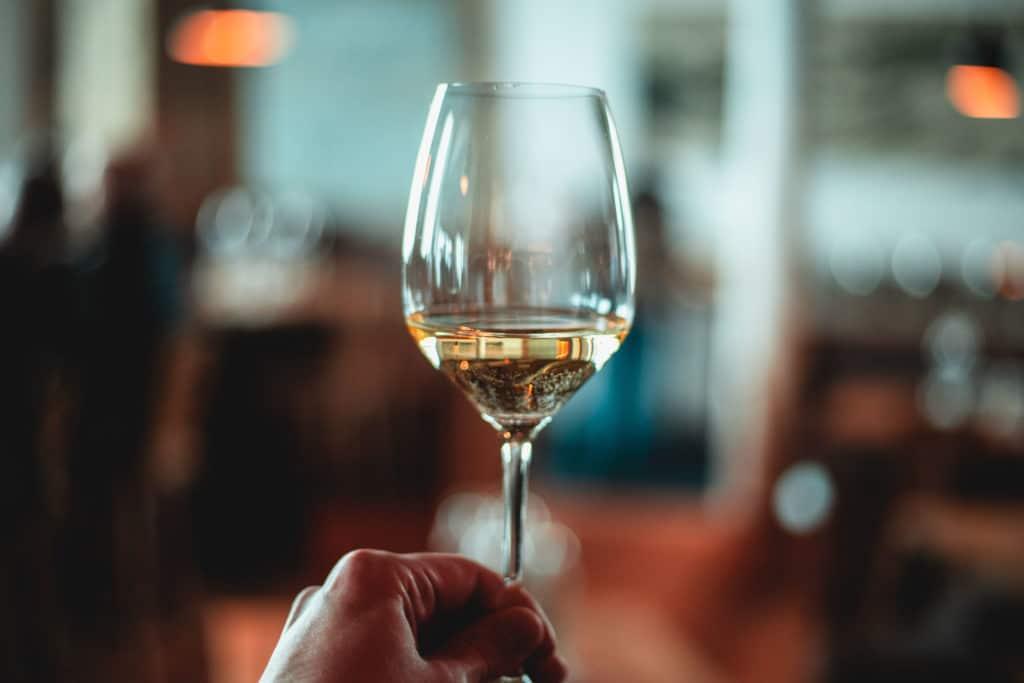 Wie lange ist offener Wein haltbar?